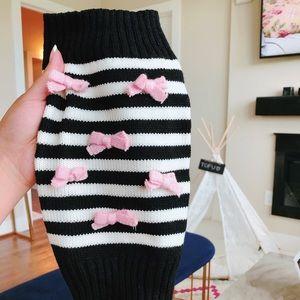 Dog ribbon sweater